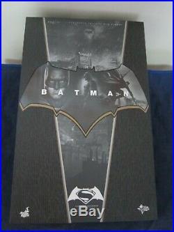 1/6 Scale Hottoys Batman v Superman Dawn of Justice Batman MMS342