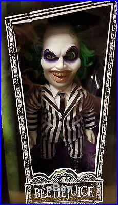 BEETLEJUICE MEGA SCALE 15 UK Exclusive Mezco Toys Action Figure