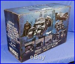 Batman Dark Knight Batmobile Tumbler Black Mms69 1/6 Scale Hot Toys