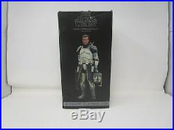 Clone Commander Wolffe STAR WARS SIDESHOW Collectibles 16 Scale MIB Exclusive