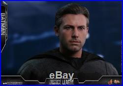 Hot Toys Justice League 1/6 scale Batman Collectible Figure MMS455