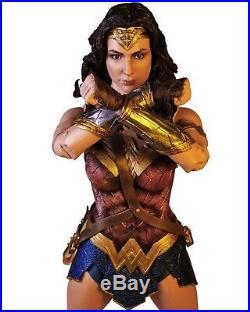 Wonder Woman (Movie) ¼ Scale Figure Wonder Woman NECA